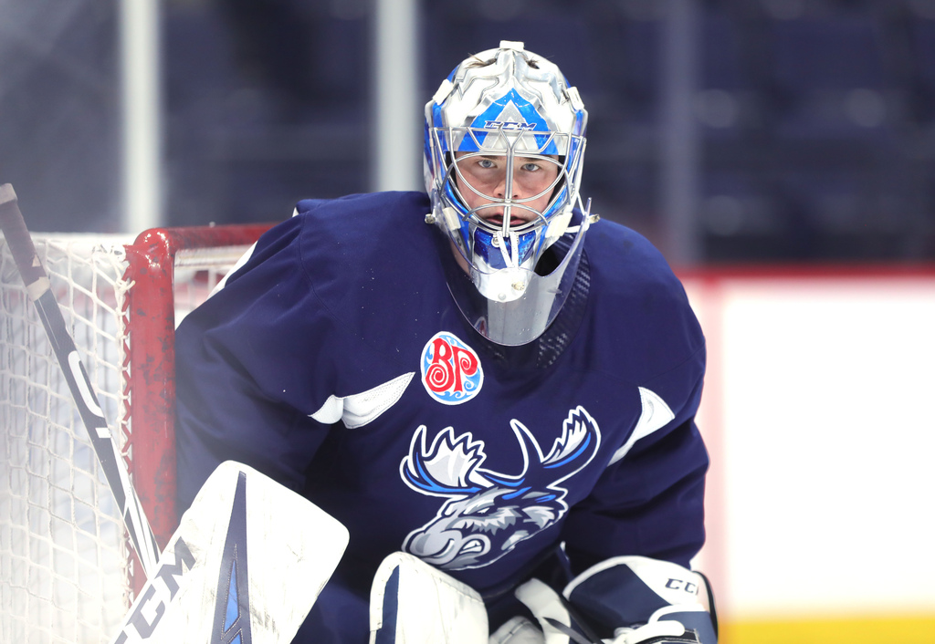 Expect Moose goalie Eric Comrie to travel with the team. (Ruth Bonneville / Winnipeg Free Press files)