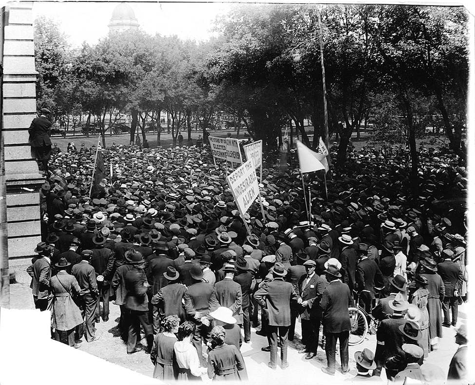 Winnipeg Free Press Archive 1919 strike Wednesday, June 4 Loyal Returned Soldiers at Government Buildings.