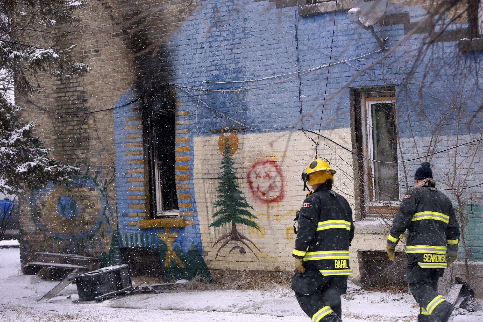WAYNE GLOWACKI / WINNIPEG FREE PRESS FILES  The rooming house in the 600 block of Balmoral Street became unfit for habitation after a Dec. 4 fire.