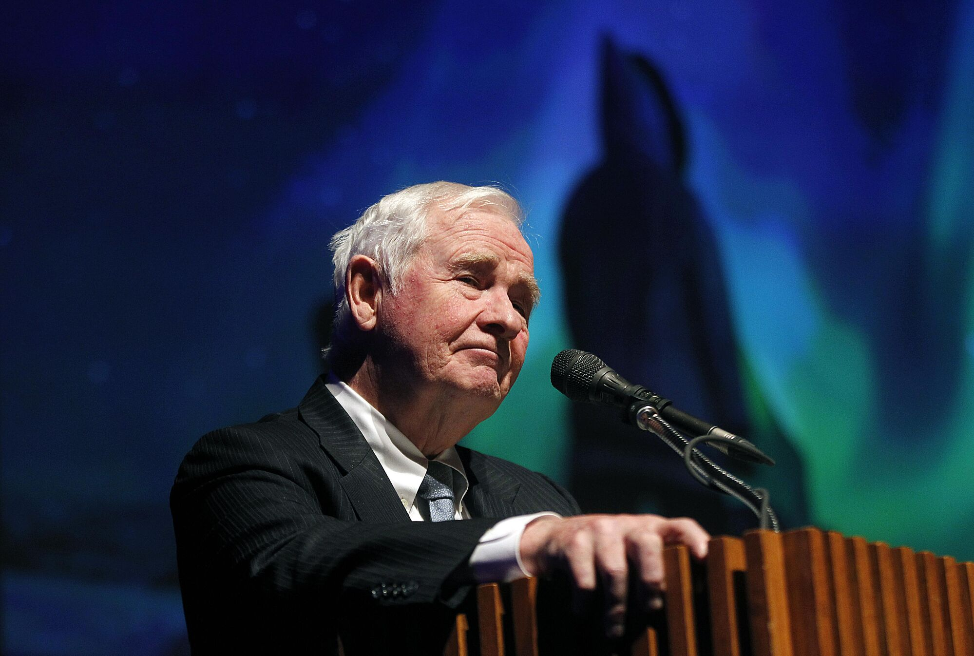 PHIL HOSSACK / WINNIPEG FREE PRESS</p> His Excellency the Right Honourable David Johnston, Governor General of Canada opens the evening&#39;s performances at the Arctic Inspiration Prize Gala Thursday evening at the Centennial Concert Hall.
