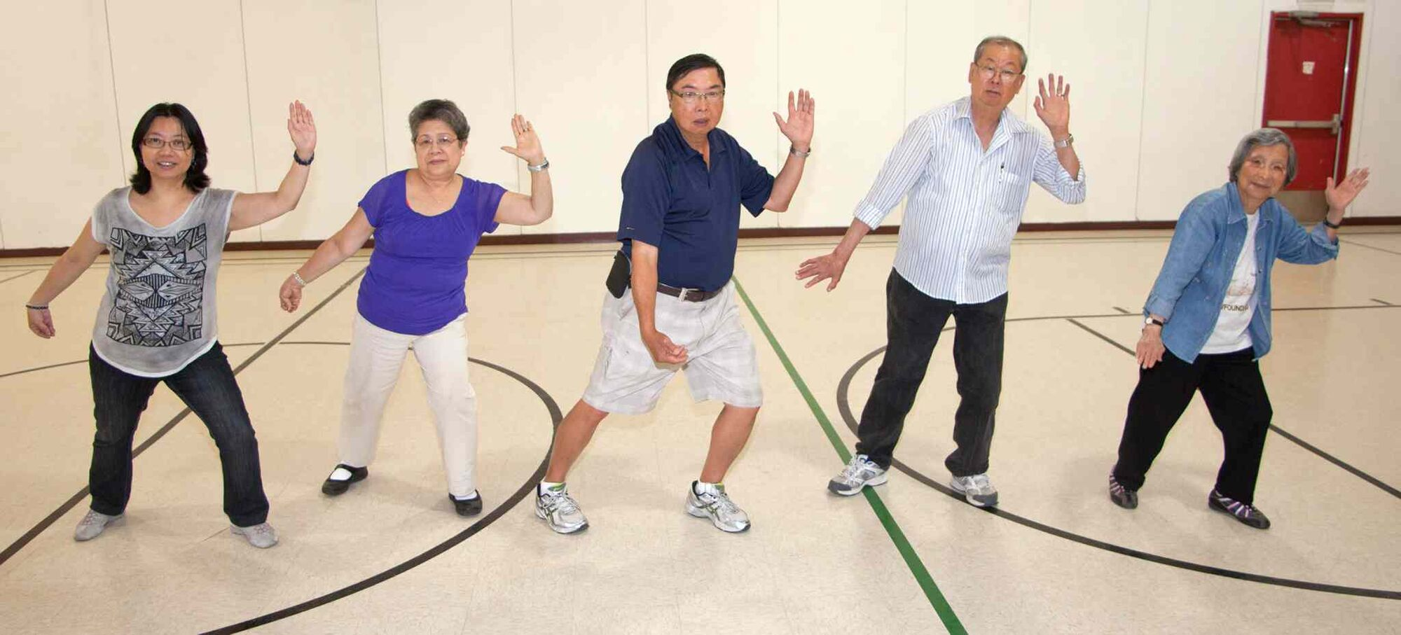 The Valour Road Community Centre's Clifton site (1315 Strathcona St.) is hosting a tai chi class every Wednesday at 10 a.m. They invite you to come and learn the 108 moves of tai chi. Anita Suen (from left), Lily Beltran, instructor Garry Eng, Cai Ngo and Fong Sue were working out on July 29, 2015. (JOHN JOHNSTON FOR THE WINNIPEG FREE PRESS)  Tai Chi Classes � Valour Road Community Centre Clifton Site  Valour Road Community Centre (Clifton Site) is running an ongoing  Tai Chi Class that takes place every Wednesday at 10 AM. They invite you to come and learn the 108 moves of Tai Chi. (L-R) Anita Suen, Lily Beltran, Garry Eng (Instructor), Cai Ngo, Fong Suen