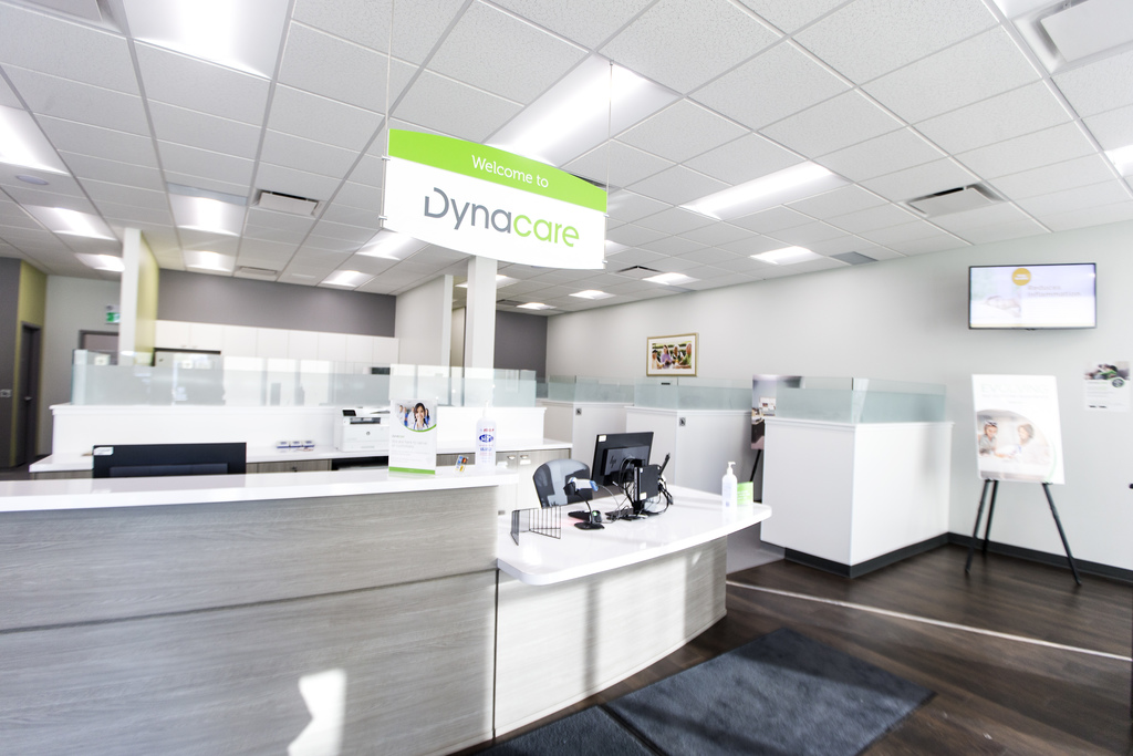 The Dynacare lab company will be help regional health authorities to contact those with negative test results. (Mikaela MacKenzie / Winnipeg Free Press files)