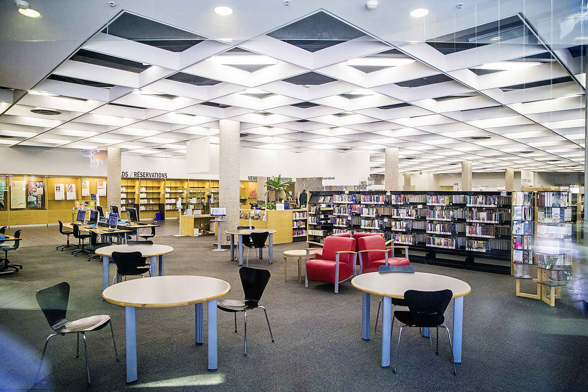 The Millennium Library (above) is open for hold pickups. (Mikaela MacKenzie / Winnipeg Free Press files)