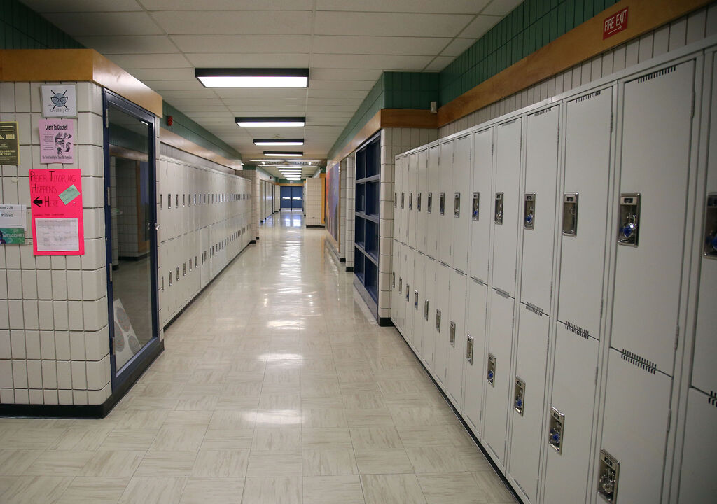 Could the hallways at Maples Collegiate be empty again? (Jason Halstead / Winnipeg Free Press files)