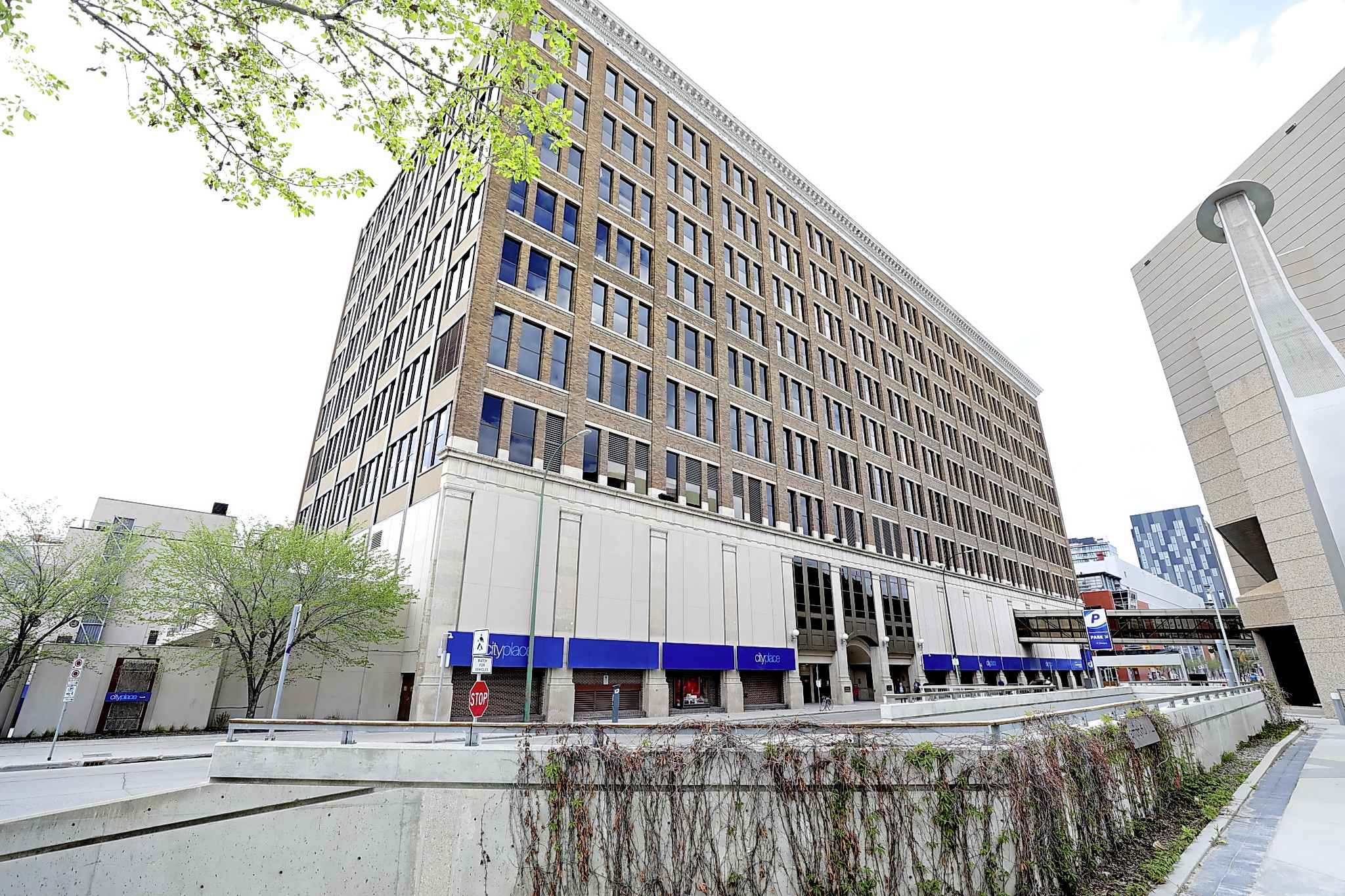 RUTH BONNEVILLE / WINNIPEG FREE PRESS  An attempt to designate the iconic Eaton's mail order building as a historical resource by the City of Winnipeg has faced pushback from owner Manitoba Public Insurance.
