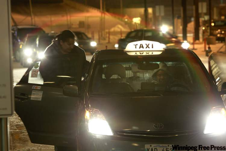 Cabbies want to see loading zones around bars and hotels extended into the evening and they also want police to stop ticketing cab drivers who are picking up or dropping off customers while not stopped properly, including stopping in no-stopping zones.