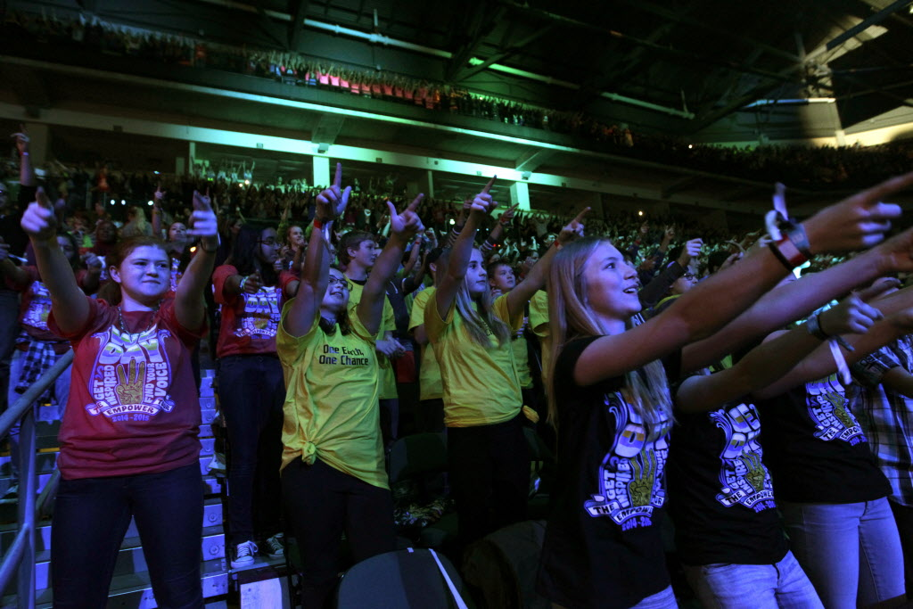 Students at the We Day event Wednesday at the MTS Centre.  (Wayne Glowacki / Winnipeg Free Press)