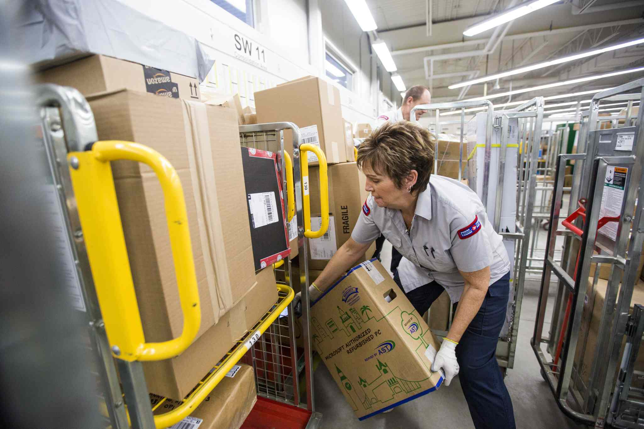 Letter carriers are concerned about exposure to the coronavirus, their union says. Mikaela MacKenzie/Winnipeg Free Press files
