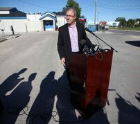 Gord Steeves spoke at Chalmers Community Centre Friday morning, pledging support for the city's community centres and calling rapid transit a 'senseless project.'