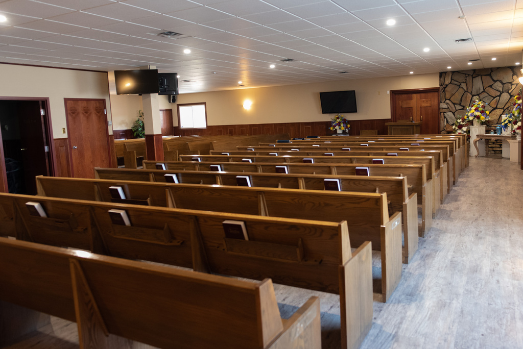 The Voyage Funeral Home chapel is often empty these days and many people have postponed funerals. (Jesse Boily / Winnipeg Free Press)