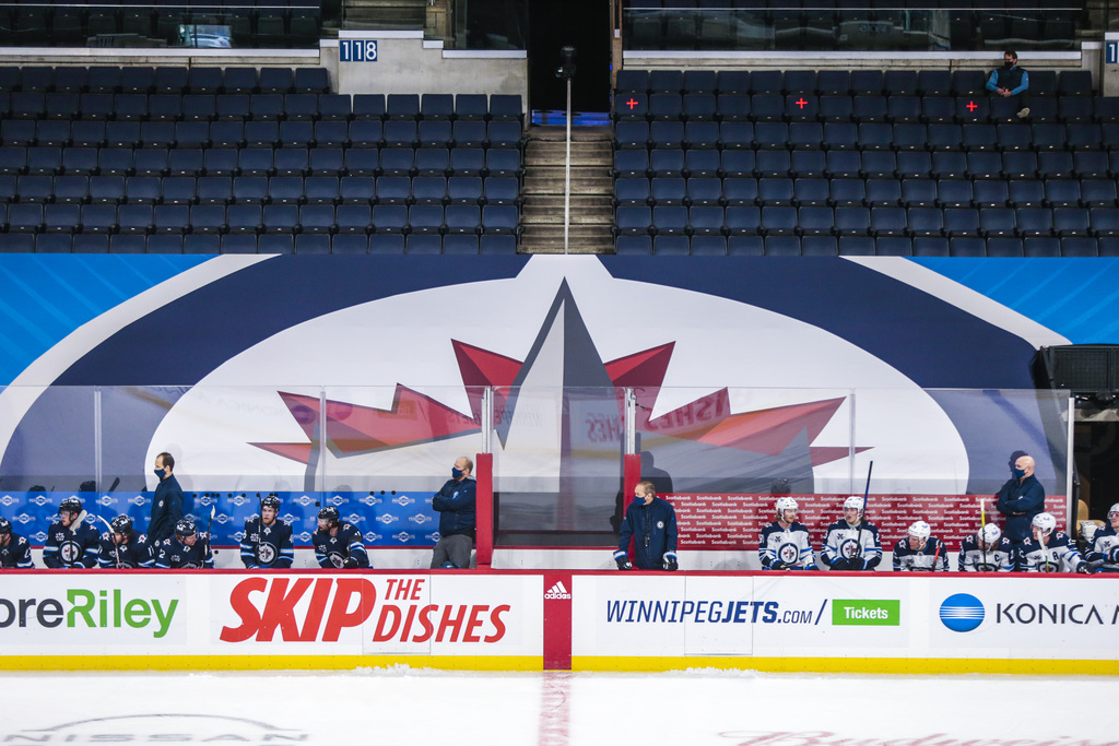 The Winnipeg Jets will play without fans in the arena, but some U.S. teams will allow limited numbers of spectators. (Mikaela MacKenzie / Winnipeg Free Press)