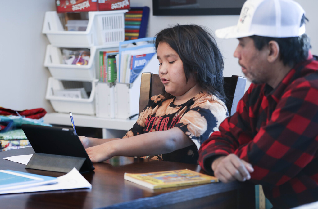 It's unclear what tightened restrictions could mean for schools, but so far Manitoba has not signalled plans to return to widespread remote learning. (Ruth Bonneville / Winnipeg Free Press files)