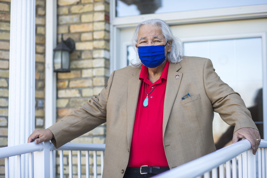 Murray Sinclair got his first dose of the Moderna vaccine in January and his second a month later. (Mikaela MacKenzie / Winnipeg Free Press)