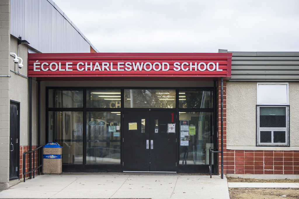 Trustees voted Thursday to deny a request put forward by a collective of nearly 100 parents to have their middle schoolers return to class full-time within public health guidelines. (Mikaela MacKenzie / Winnipeg Free Press files)