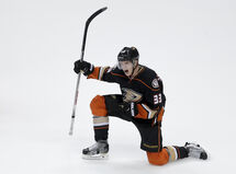 Anaheim Ducks right wing Jakob Silfverberg celebrates his game-winning goal Saturday night.