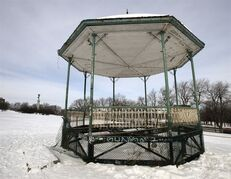 The gazebo on Mount Royal sits in disrepair, Tuesday, January 27, 2015 in Montreal. The gazebo is supposed to be renamed to commemorate author Mordecai Richler but the project has been stalled for four years.THE CANADIAN PRESS/Ryan Remiorz