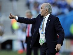 FILE - In this July 1, 2014, file photo, Argentina's head coach Alejandro Sabella signals to his players during the World Cup round of 16 soccer match between Argentina and Switzerland at the Itaquerao Stadium in Sao Paulo, Brazil. Sabella reported for several weeks to be ready to resign from the job and is expected to make it official on Wednesday July 30, 2014. (AP Photo/Victor R. Caivano, File)