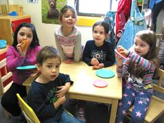 From left to right: Sophia, Ethan, Ryann, Sophie and Mia enjoying themselves at École Guyot Pre-Kindergarten Inc. recently. The nursery will hold an Open House and Registration Night on Thurs., March 5 at 400 Willowlake Cres.