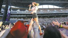 Taylor Swift performs at Investors Group Field, Saturday, June 22, 2013. (TREVOR HAGAN/WINNIPEG FREE PRESS)