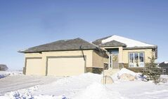 Homes. 36 Casselman Crescent in Oak Bluff West.  Todd Lewys story Wayne Glowacki / Winnipeg Free Press Jan.2 2014