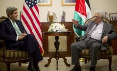 U.S. Secretary of State John Kerry, left, meets with Palestinian President President Mahmoud Abbas in Amman, Jordan, Thursday, Nov. 7, 2013. (AP Photo/Jason Reed, Pool)