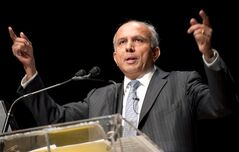 Fairfax Financial CEO Prem Watsa speaks at the company's annual general meeting in Toronto on Thursday April 11, 2013. THE CANADIAN PRESS/Frank Gunn
