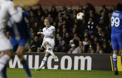 Tottenham's Christian Eriksen scores a free kick during the Europa League Group K soccer match between Tottenham Hotspur and Dnipro at White Hart Lane stadium in London, Thursday, Feb. 27, 2014. (AP Photo/Matt Dunham)