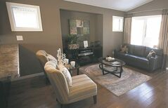39 Bellflower Living Room.....Jan 4, 2013 - (Phil Hossack / Winnipeg Free Press)