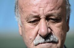 Spain's head coach Vicente Del Bosque looks on before the group B World Cup soccer match between Australia and Spain at the Arena da Baixada in Curitiba, Brazil, Monday, June 23, 2014. Spain and Australia each go into the match after two losses.(AP Photo/Manu Fernandez)