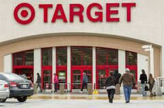Shoppers arrive at a Target store in Los Angeles on Thursday, Dec. 19, 2013.THE CANADIAN PRESS/AP, Damian Dovarganes