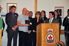 Peter Kwiatek receives his Good Neighbour Award on May 31.