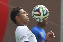 Ecuador's Jefferson Montero trains in Quito, Ecuador, Tuesday, May 27, 2014. Ecuador will play two friendly games against Mexico and England prior to its participation in the World Cup in Brazil. (AP Photo/Dolores Ochoa)