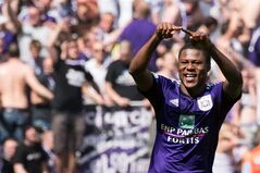 RSC Anderlecht player Chancel Mbemba celebrates after scoring during the Jupiler Pro League play-offs match against Sporting Lokeren at the Contstant Vandenstock stadium in Brussels, Sunday May 18, 2014. (AP Photo/Geert Vanden Wijngaert)