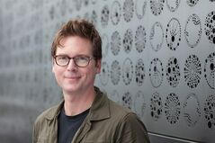 "This undated photo provided by Jelly, shows Biz Stone. Stone, a twitter co-founder seeks to prove that no matter how sophisticated computer algorithms become, ""they are still no match for the experience, inventiveness, and creativity of the human mind. (AP Photo/Jelly_"