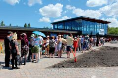 The massive lineup to get into the Assiniboine Park Zoo, after the long-awaited Journey to Churchill exhibit made its debut.