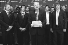 NHLPA boss Donald Fehr is surrounded by a phalanx of top NHL players at a press conference Aug. 14. The unity of players and their union is something we didn't fully see in 2004-2005.