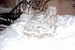 A wolf sculpture by North Kildonan artist Debora Cardaci is shown in Cardaci's front yard.
