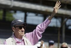 Jim Nabors, who will sign