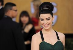 Jessica Pare arrives at the 19th Annual Screen Actors Guild Awards at the Shrine Auditorium in Los Angeles on Sunday Jan. 27, 2013. Pare, Jay Baruchel and Serena Ryder are among the homegrown celebrities set to appear as presenters at the Canadian Screen Awards. THE CANADIAN PRESS/AP-Chris Pizzello/Invision/AP