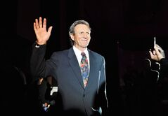 Former Team Canada hockey player Paul Henderson is announced during the Team Canada '72 Gala Dinner in Toronto Friday September 28, 2012. Henderson, Dave King and Mark Messier were named to the Order of Hockey in Canada on Wednesday. THE CANADIAN PRESS/Aaron Vincent Elkaim