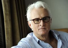 In this Thursday, May 1, 2014 photo, actor/director John Slattery poses for a portrait on Thursday, May 1, 2014 in Los Angeles. The