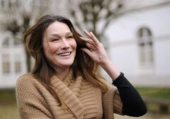 Carla Bruni-Sarkozy, wife of French President Nicolas Sarkozy, poses before visiting disabled children at Garches hospital, outside Paris, Thursday, Jan. 12, 2012. Residents are blasting a plan to erect a statue with a face modeled on that of French first lady Carla Bruni-Sarkozy in a small town east of Paris. THE CANADIAN PRESS/AP-Eric Feferberg