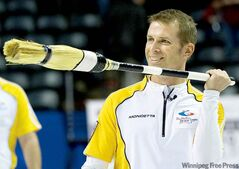 Manitoba skip Jeff Stoughton throws a grin at the crowd in London after defeating Saskatchewan 7-6 in extra ends Tuesday afternoon at the Brier.