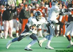 Toronto Argonauts Raghib Ismail, #25 with ball during the second half of the 1991 Grey Cup Game in Winnipeg. KEN GIGLIOTTI / WINNIPEG FREE PRESS.