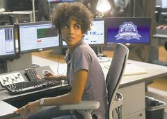 Halle Berry as a 911 operator (right) Abigail Breslin as the kidnap victim.