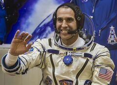 FILE - This Nov. 7, 2013 file photo shows U.S. astronaut Rick Mastracchio, a crew member of the International Space Station, waving prior to the launch of Soyuz-FG rocket at the Russian leased Baikonur cosmodrome, Kazakhstan. Mastracchio, along with Japanese astronaut Koichi Wakata will serve as on-board correspondents for a National Geographic special called
