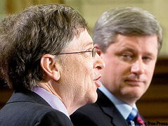 Bill Gates with Prime Minister Stephen Harper at Feb. 20, 2007 HIV Vaccine Initiative announcement.
