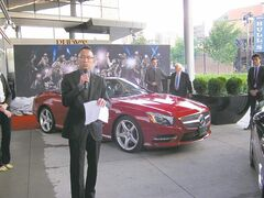 Mercedes Benz Winnipeg sales manager Roger Man introduces new SL550.