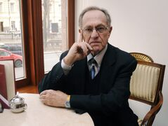 Alan Dershowitz estimates he taught 10,000 students in his 50 years as professor at Harvard Law School.