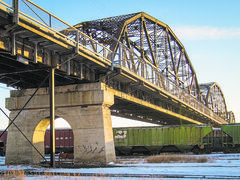 Alternate uses for the Arlington Bridge should be considered once its useful life as a railway crossing has ended.
